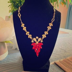 Jewelry - Red flower gold fashion necklace set